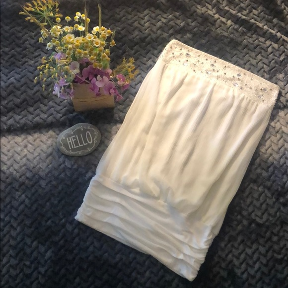 Wet Seal Tops - Dazzling white beaded tube top w/ruched band